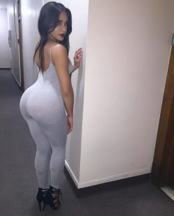 picture big tit mom repost iamashleyortiz_ and men with big butts