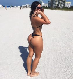 how to get a huge butt in a week repost genesislopezfitness and hot models butts