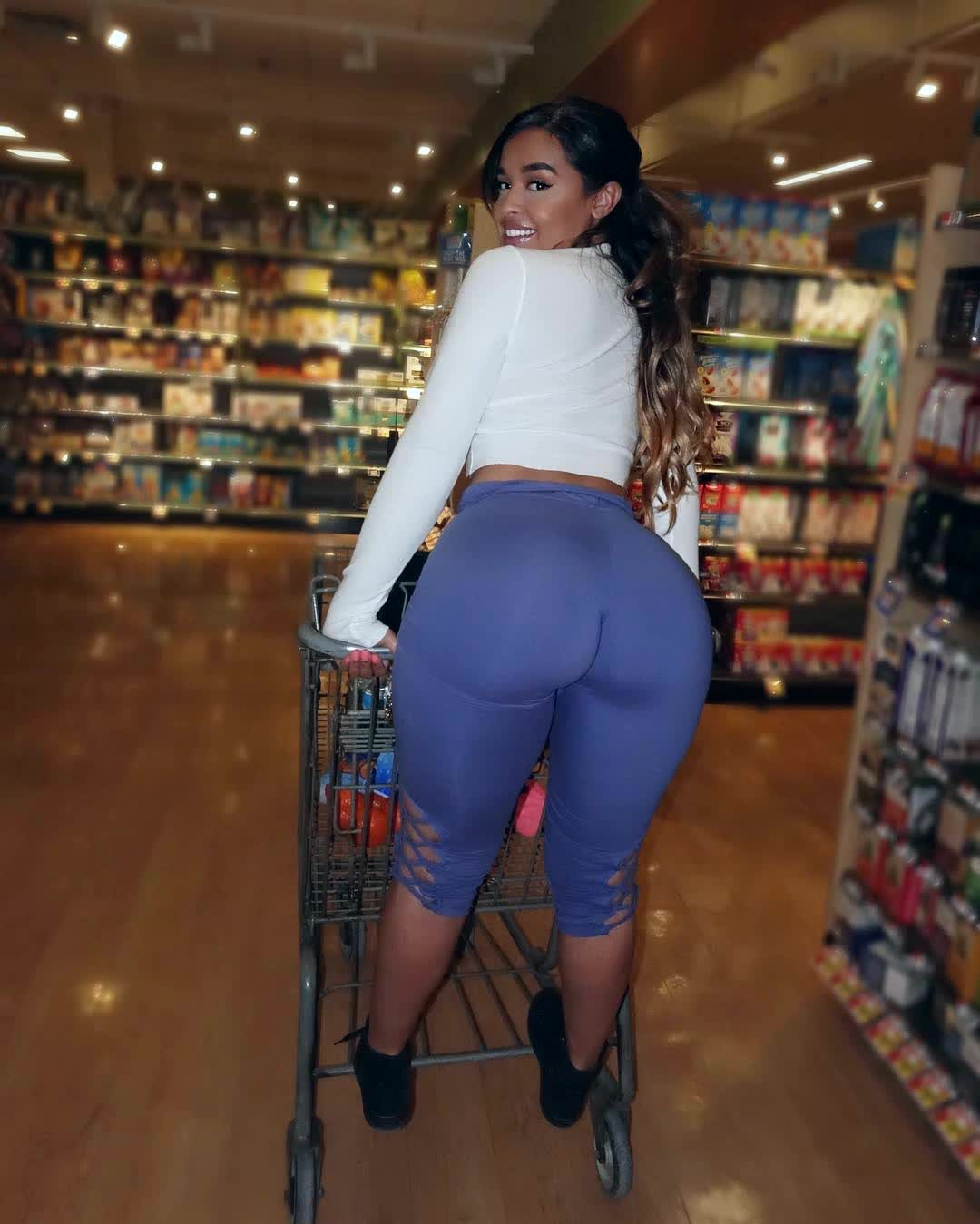Amazing Ass Leggings Repost Gisellelynette And Bigassfans Haiku  Big Booty Pics-1831