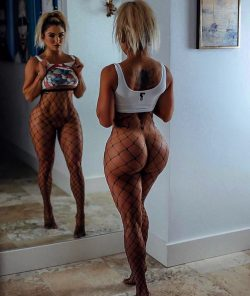 hot ass cougar repost thickbutts and nice pictures photo