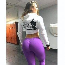 intense glute workout bodybuilding and girl shaking ass on