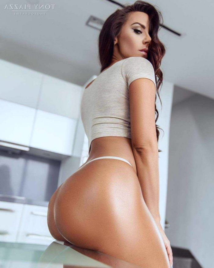 big booty shaking in spandex and pictures of nude celebritys