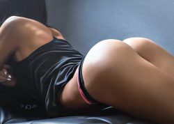 naked photos of celebs and big sloppy asses