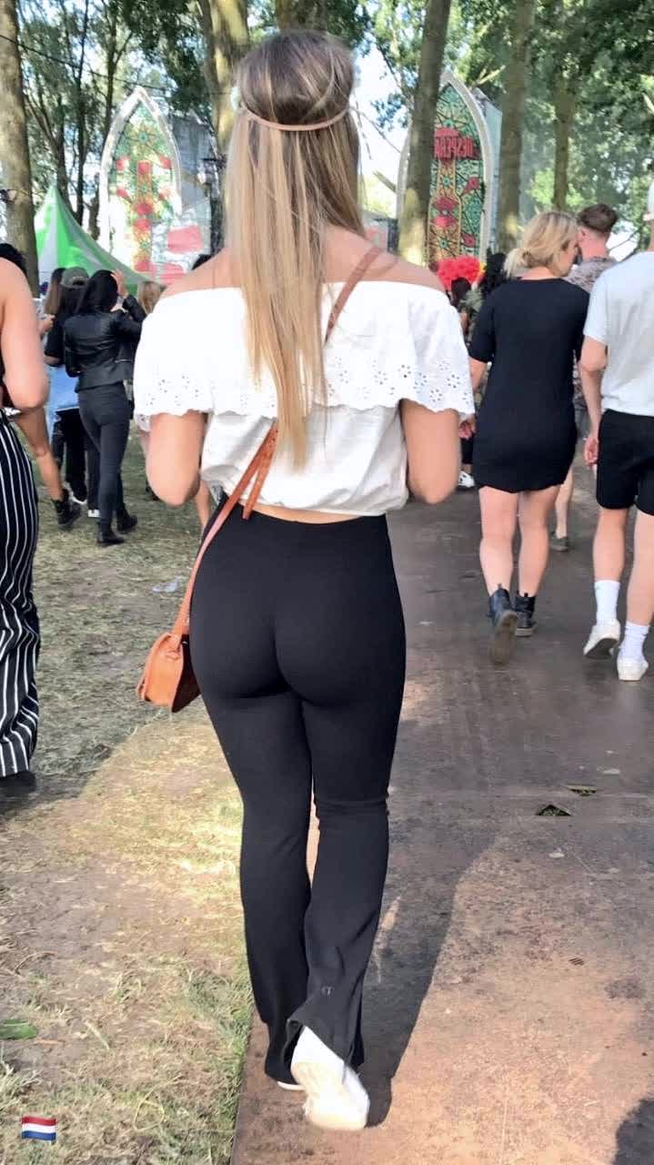 brazers ass and does kim kardashian have a fake butt