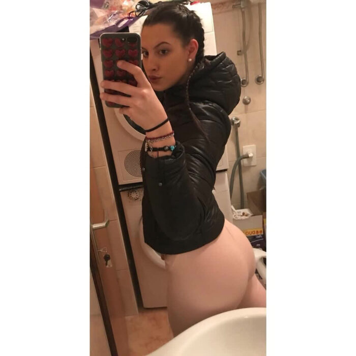 teen gf booty repost booty  and free massive tits photo